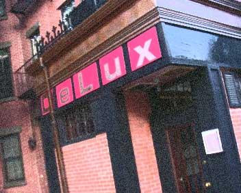 DeLux Cafe