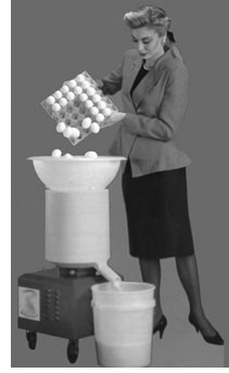Egg cracking machine