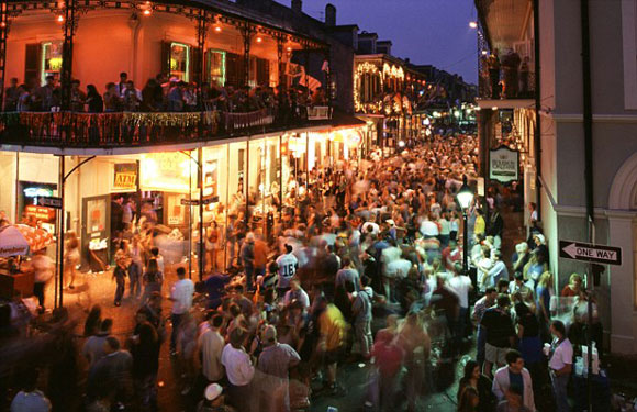 bourbon-street-crowd